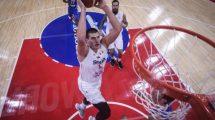 ORLOVI SE VRATILI IZ KINE: Srpski košarkaši dobili OVACIJE na aerodromu!