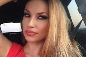 RADO, JE L' TI TO SEDIŠ NA WC ŠOLJI?! Manojlovićeva objavila selfi iz TOALETA i nije slutila šta je napravila! (FOTO)
