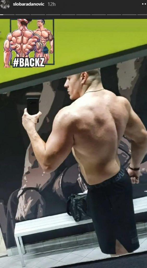 SLOBA RADANOVIĆ IZGLEDA KAO ZVER: Pevač pokazao mišiće na leđima