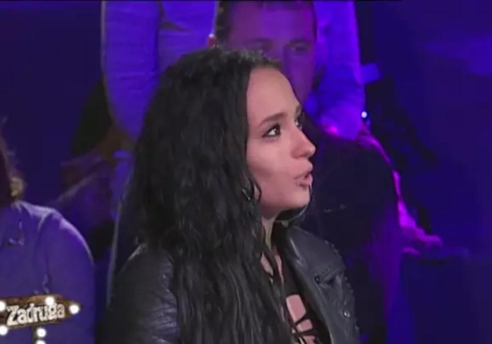 Publika presudila, ona je napustila 'ZADRUGU 3': Ivani nije pomoglo ni dupliranje glasova, svi zanemeli kad su čuli koliku podršku ima Stefan Karić! (VIDEO)
