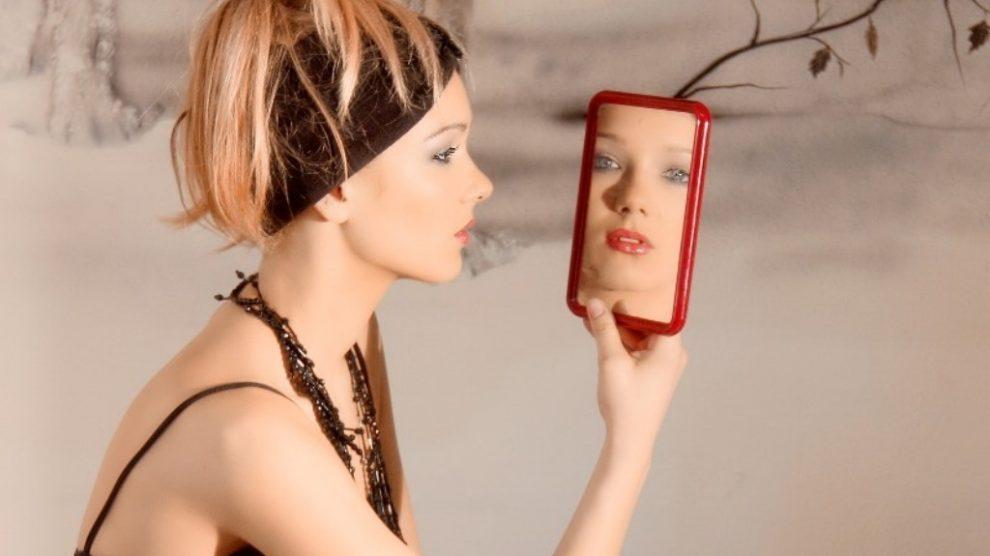 REŠENA MISTERIJA:Na fotografijama izgledamo realnije nego na ogledalu!