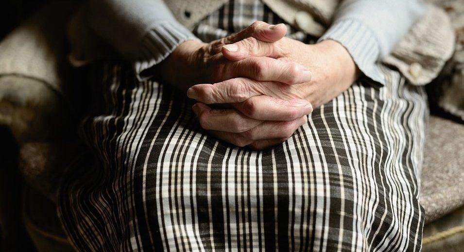 Baka Radmila ima 102 godine i otkriva recept za DUGOVEČNOST! POSLEDNJI PUT KOD LEKARA BILA PRE 50 GODINA