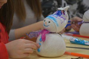 """Humanost na delu: Mališani okupljeni u akciji """"Svi smo mi Deda Mraz"""" probudili novogodišnji duh darivanja!"""