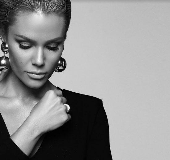 Stiže novi singl prelepe pevačice: Lena Kovačević ponovo oduševila svojim fantastičnim vokalom!