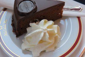 RECEPT DANA: Saher torta BEZ ŠEĆERA