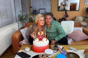 Halid Muslimović iznenadio Adelisu za rođendan