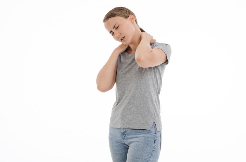 Samo tri VEŽBE u bol u vratu će prestati