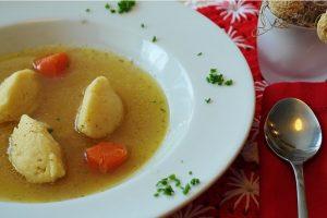 RECEPT DANA: Supa sa LIMUNOM i piletinom