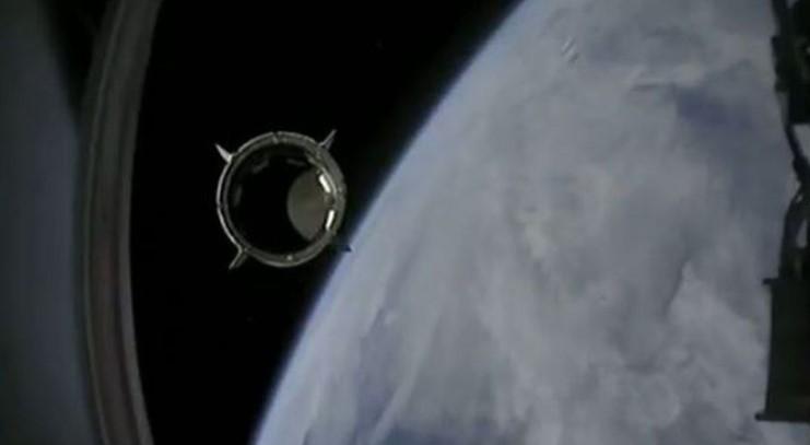 SpaceX i NASA uspešno poleteli u svemir!