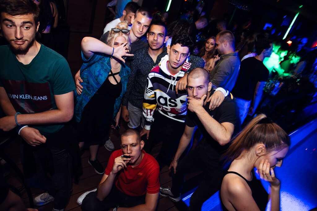 splav hot mess, Elena Kitić i Milan Stanković izašli su tokom vikenda u provod na splav Hot Mess, Gradski Magazin