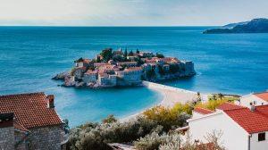 Ni crnogorskom TURIZMU ne cvetaju ruže...