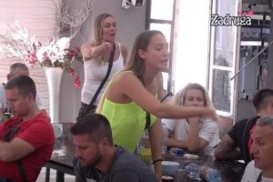 LUDILO u Zadruzi: Anabela GAĐALA Lunu! (VIDEO)