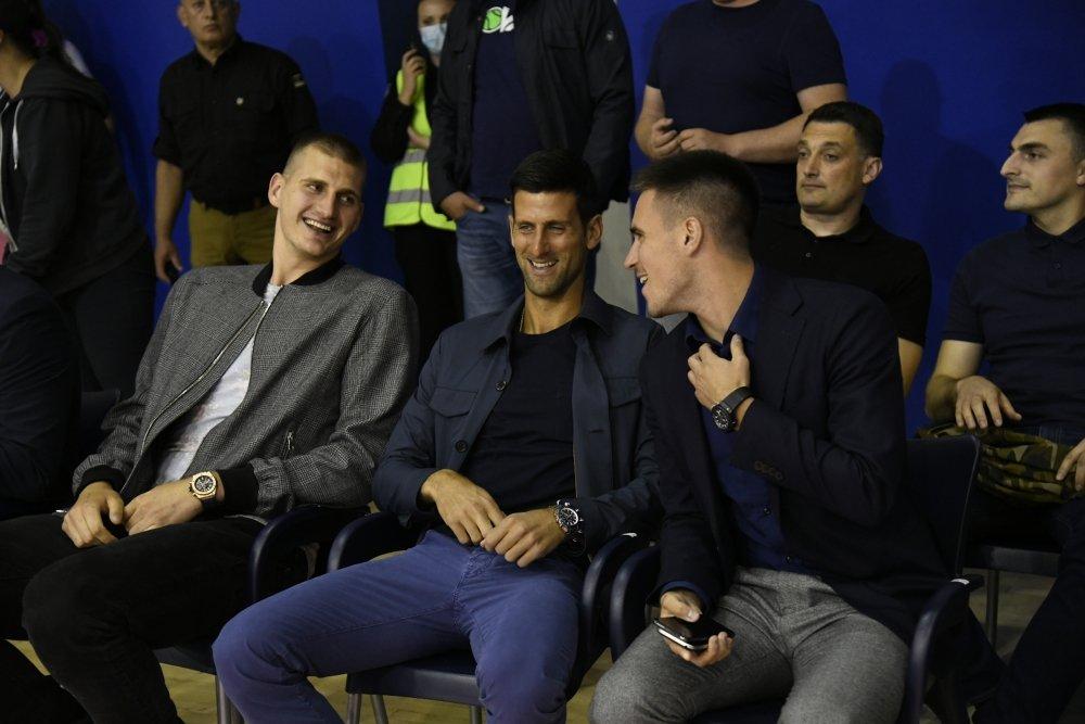 Jokić i Đoković zajedno gledali oproštaj Milojevića od Mege (FOTO)