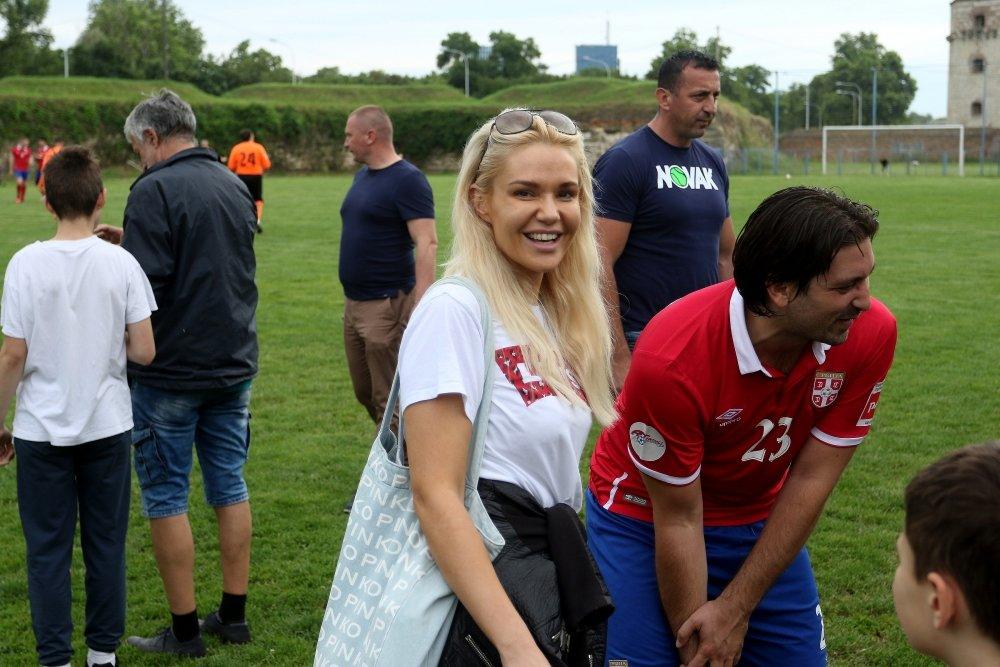 fudbal, Kad sportisti i poznate ličnosti zaigraju fudbal: Nole, Tim, Zverev, Savo, Radojičić, Nigor igraju, Gagi Jovanović (FOTO/VIDEO), Gradski Magazin