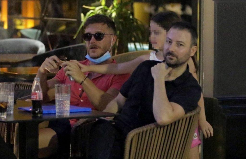 PAPARAZZO fotke: Saša Kovačević u večernjem izlasku sa njom?!