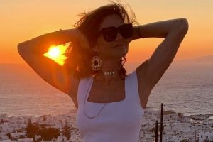 """""""Mangupska"""" fotka: Marija Karan u bikiniju i cigarilosom iznenađenje za oči!"""