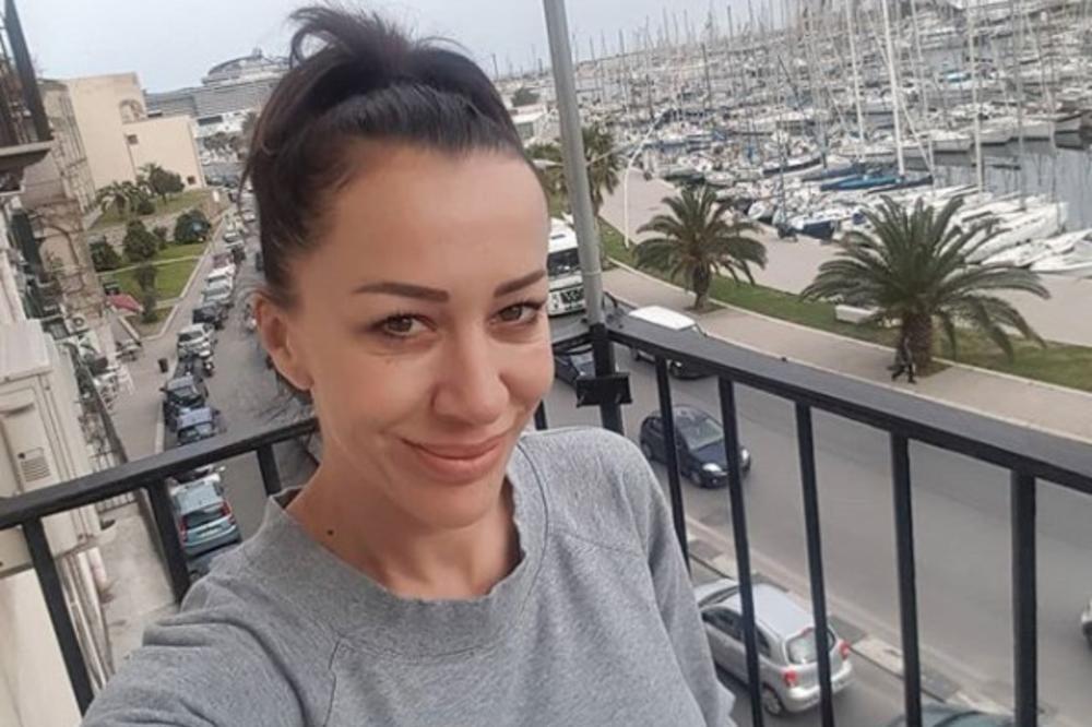 OGLASILA SE ROMANA POSLE IZLASKA IZ ZATVORA! Dok čeka deportaciju pokazala gde provodi vreme