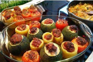 RECEPT DANA: Tikvice punjene mesom, povrćem i sirom