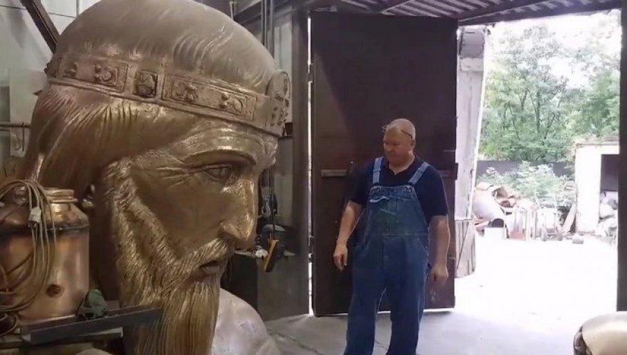 VISOK ČAK 23 METRA! Pogledajte kako izgleda spomenik Stefanu Nemanji (VIDEO)