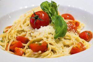 RECEPT DANA: Špageti sa patlidžanom i fetom