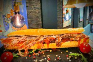 Srbija je NAČISTO POLUDELA za sendvičem: Ovo je FAST FOOD delicija koja se rezerviše!