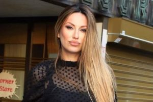 """""""DRŽALA SAM JE ZA RUKU DOK JE UMIRALA"""" Rada Manojlović je najveću bol osetila kada je ostala bez majke"""