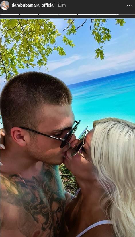 PAO POLJUBAC! DARA I TONI OBJAVILI FOTKU NA KOJOJ SE LJUBE: Pevačica više ne krije zaljubljenost!