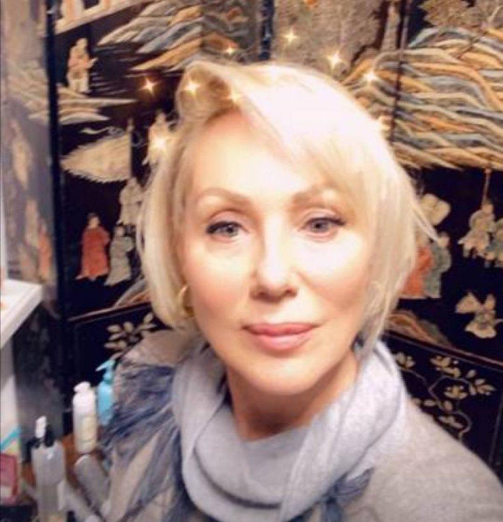 DRASTIČNA TRANSFORMACIJA LEPE BRENE: Pevačica više ne izgleda isto, promenom oduševila sve!