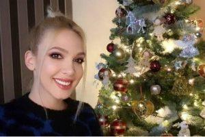 LOMIMO ČESNICU I PEVAMO, MOJI SU VESELJACI! Milica Todorović otkrila kako proslavlja Božić u svom domu u Kruševcu!
