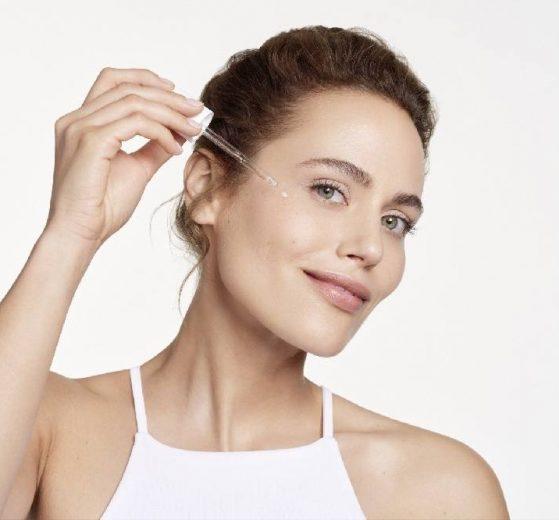 NOVI Eucerin®Hyaluron-Filler Skin Refining Serum SUŽAVA PORE, UBLAŽAVA PRVE BORE!