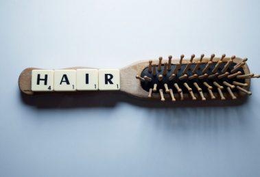 Kako da najjednostavnije očistimo četku za kosu?