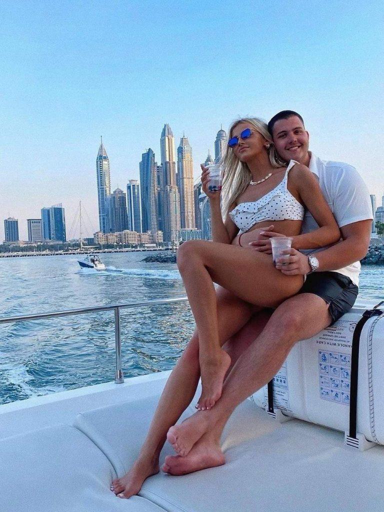 Viktor Živojinović u društvu devojke Sandre Miljaković uživa u Dubaiju