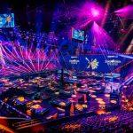 """Dok sitno brojimo do nastupa naših predstavnica na ovogodišnjem Evrosongu, otkrivamo kako će izgledati nastup popularnih """"hurikanki"""" i scena u roterdamskoj areni!"""