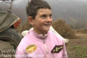 Sećate se dečaka Dragoslava koji je maštao da ima ovce? Tugi je došao kraj, dobri ljudi mu grade dom!