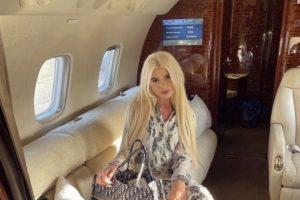 Mitrovićeva žena i ćerka objavile snimke iz novog privatnog aviona: Pogledajte u kakvom luksuzu lete!