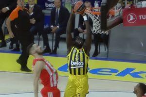 Zvezda poklekla u Istanbulu, Fenerbahče slavio u završnici!