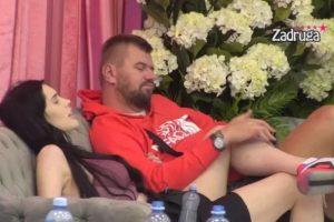 """JOŠ JEDNA SVADBA U """"ZADRUZI"""" Janjuš i Deniz se mazili, on bez blama"""